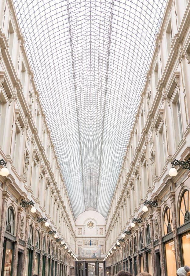 E 02 19: De Galerij van Galeriede La reine Brussel van de koningin stock foto