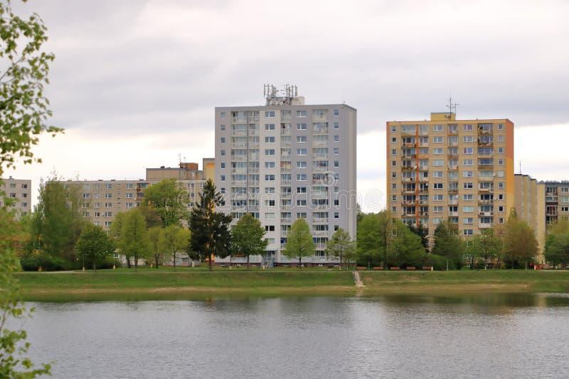 E Detalhe e teste padr?o arquitet?nicos de residencial social dos apartamentos em Jablonec, Rep?blica Checa fotografia de stock royalty free