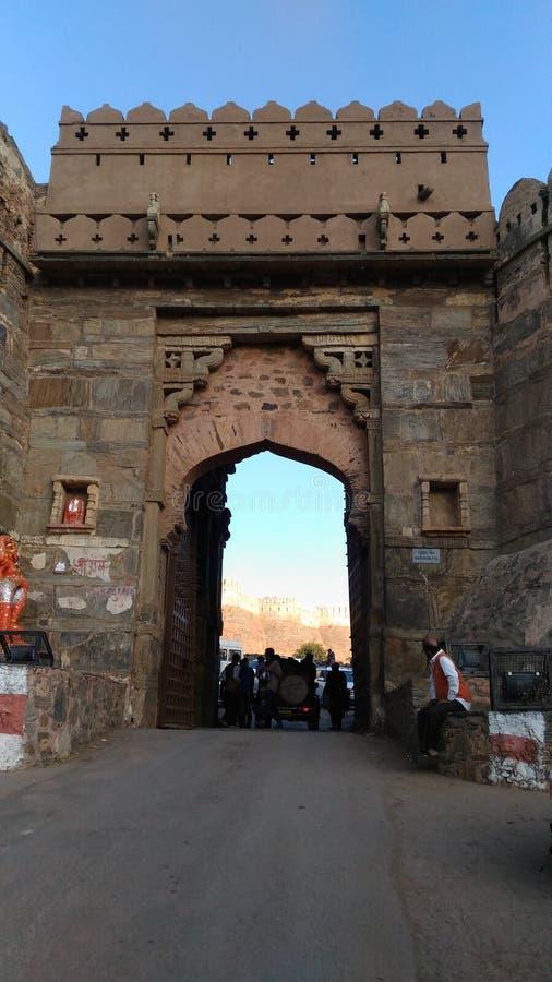 E 1. entrace Tor von Kumbhalgarh-Fort Indien Rajsamand Rajasthan Kankroli stockbilder