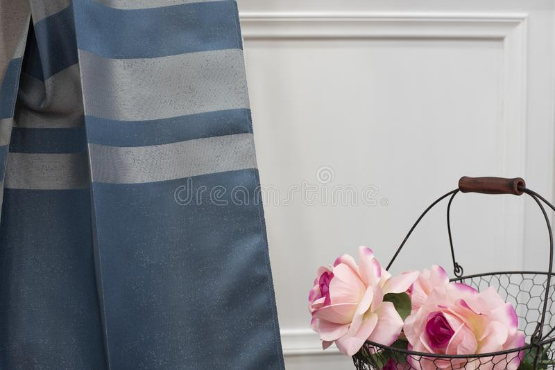 E Gordijnen, de stoffering van Tulle en van het meubilair royalty-vrije stock afbeeldingen