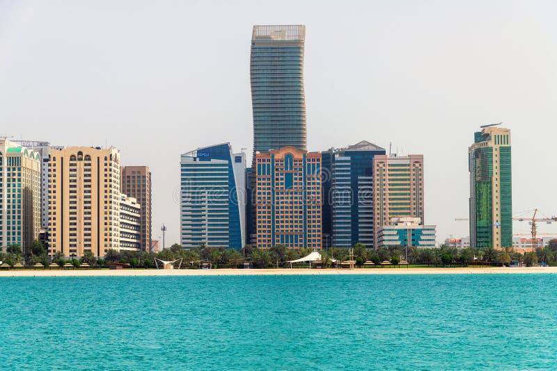 E 2019 gratte-ciel sur la route de Corniche photographie stock