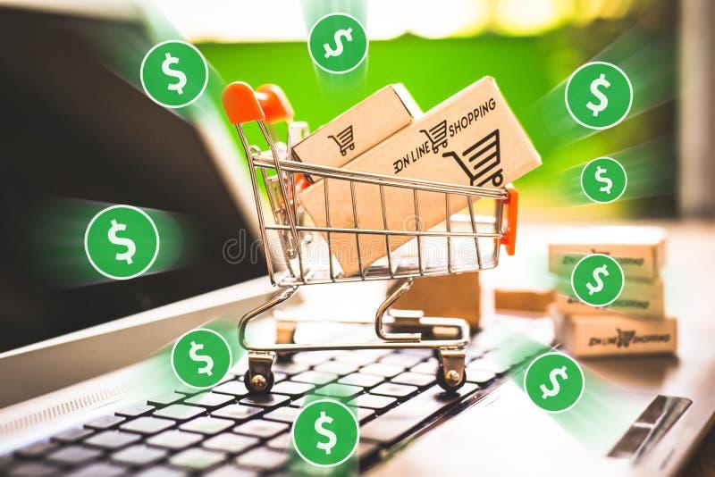 E handel, zakup i bubel online, wirtualny wózek na zakupy obraz royalty free