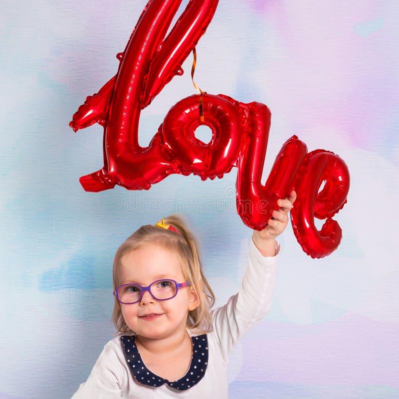 E Het concept van de Dag van valentijnskaarten stock fotografie