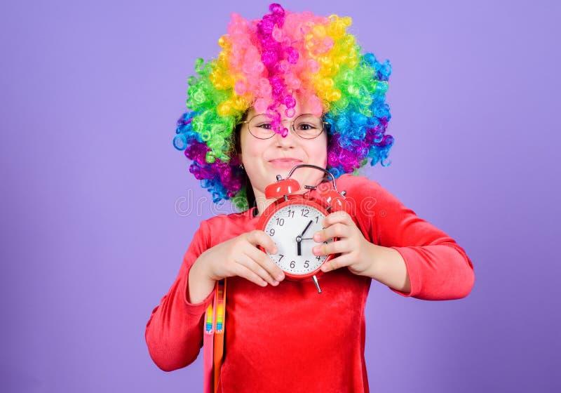 E Het leven is Pret Gelukkige kinderjaren Gelukkig meisje De dag van internationale kinderen Kinderverzorging gelukkig royalty-vrije stock afbeelding