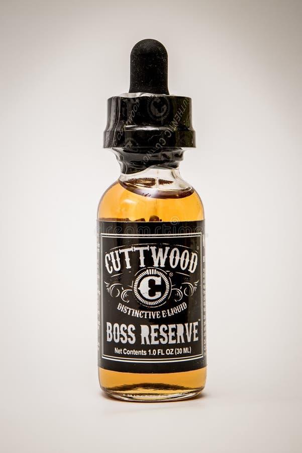 E-líquido do vape de Reserve do chefe de Cuttwood para e-cigarros imagem de stock royalty free