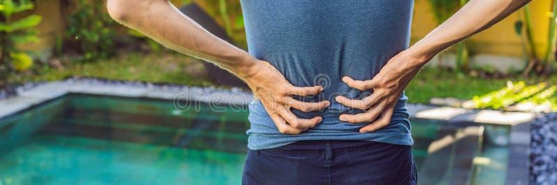 E La piscine aide avec la BANNIÈRE de douleurs de dos, LONG FORMAT photo stock