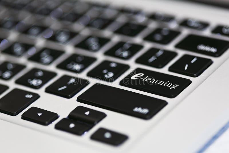 E-learning e concetto online di istruzione a distanza fotografia stock libera da diritti