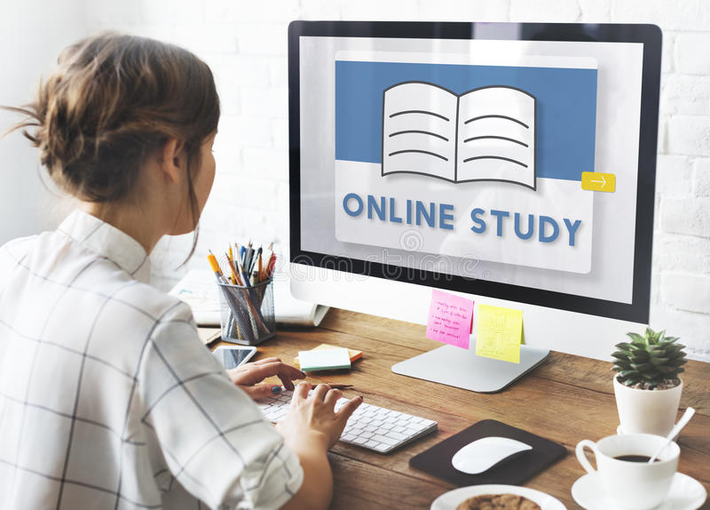 E-Learning-on-line-Klassen-Studien-Wissens-Ideen-Konzept lizenzfreie stockbilder