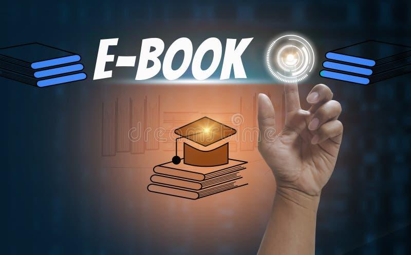 E-leert en online onderwijs, met van het de technologiepictogram en symbool van de vingeraanraking sociale media op zwarte achter royalty-vrije illustratie