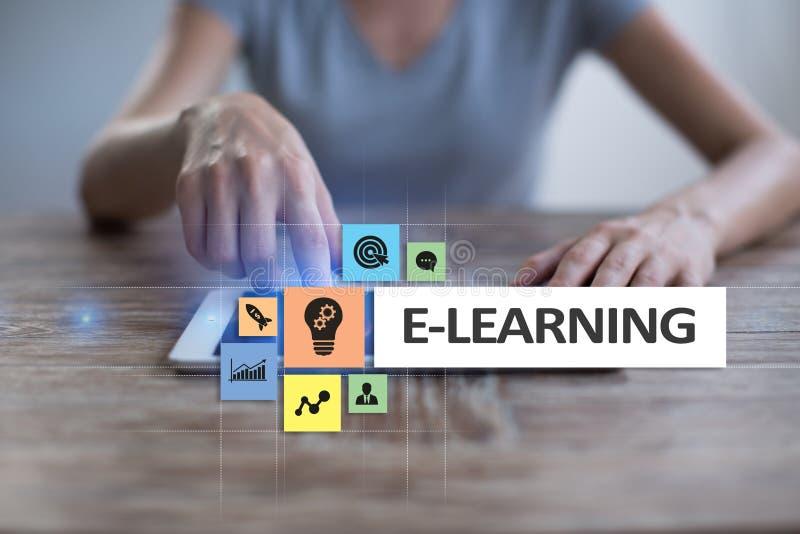 Download E-leert Op Het Virtuele Scherm Het Onderwijsconcept Van Internet Stock Illustratie - Illustratie bestaande uit hoofd, leer: 114225043