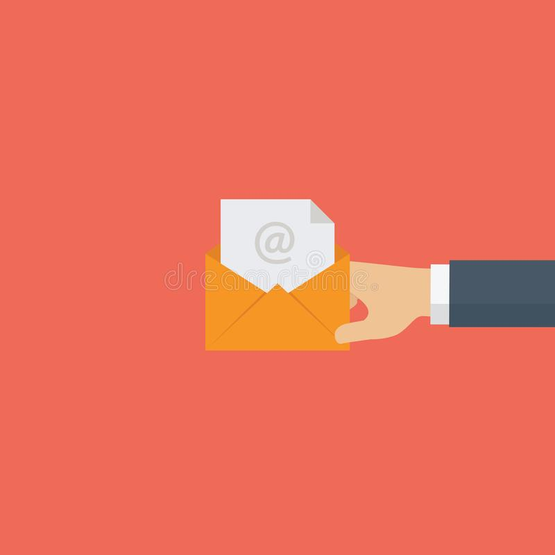 E-mail en inkomend berichtenconcept De Postbestellingsdienst De mensen overhandigen holding gele envelop in vlakke stijl vector illustratie