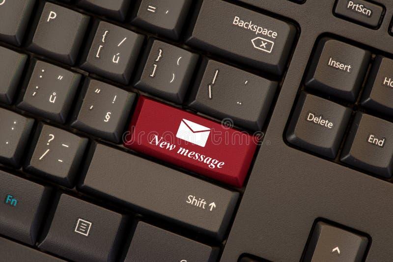 E-mail nieuwe berichtsleutel vector illustratie