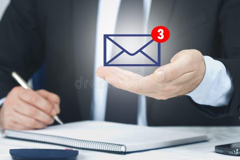 E-Mail und Mitteilungen stockfoto