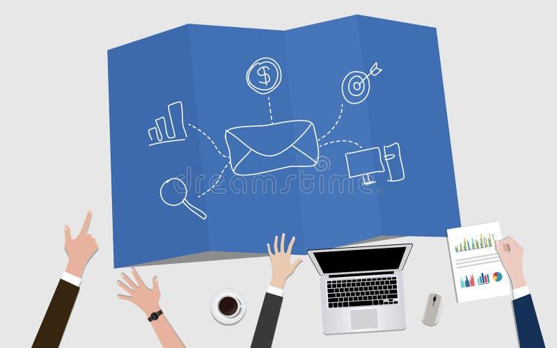 E-mailbulletin marketing conceptenillustratie met postenvelop en doel royalty-vrije illustratie