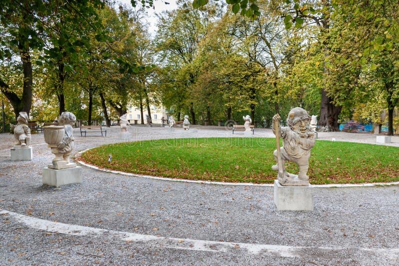 E Mirabellgarten lub Mirabell ogr?d jeste?my ogr?dem Mirabell pa?ac w Salzburg Austria fotografia stock