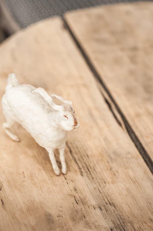 E Pasen-concept, tederheid, uniciteit, schoonheid Van het konijntjesclose-up en exemplaar ruimte royalty-vrije stock afbeeldingen