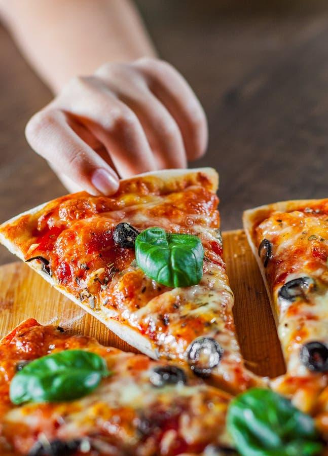 E pizza włoskiej P obrazy stock
