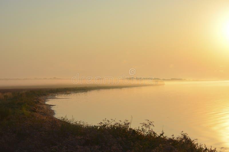 海上日落 软焦点 半音 库存照片