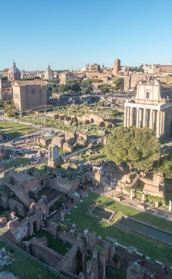 古罗马广场的全景 免版税库存照片