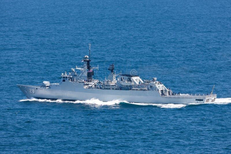 KD Jebat F 29 Lekiu班的导弹护卫舰服务在皇家马来西亚海军离去的悉尼港口 库存照片