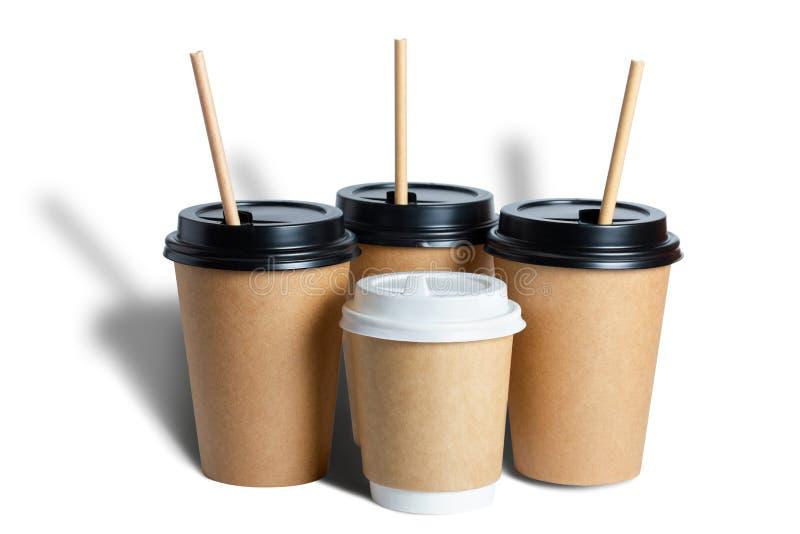 Kraft wegwerppapierbekers voor koffie Omvat in zwart-wit Tubules Geïsoleerd voorwerp met een schaduw op een witte achtergrond T royalty-vrije stock afbeelding