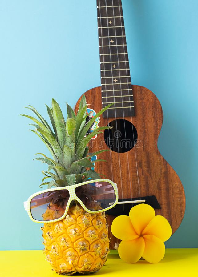 E r Grappig mordashkaiz tropisch fruit Concept stock foto's