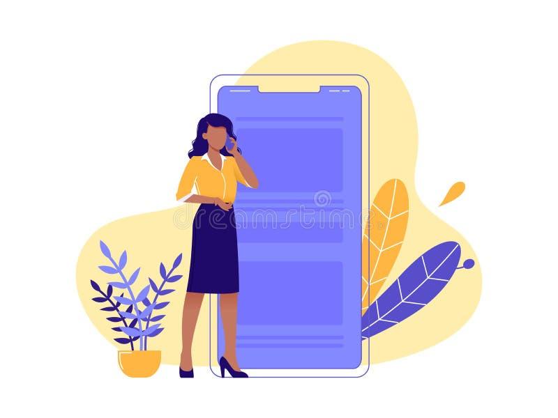 电话聊天 年轻女性站在大型智能手机附近,通过电话进行商业谈判 隔离 图库摄影