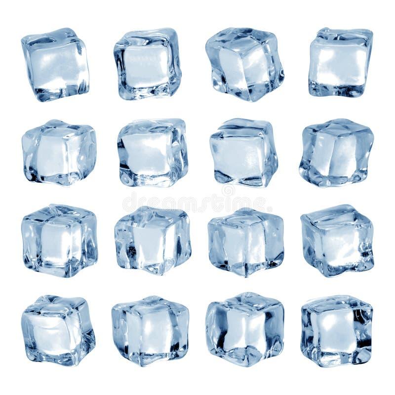 在白色背景隔绝的冰块 冰片断在块形状的 r 免版税库存照片