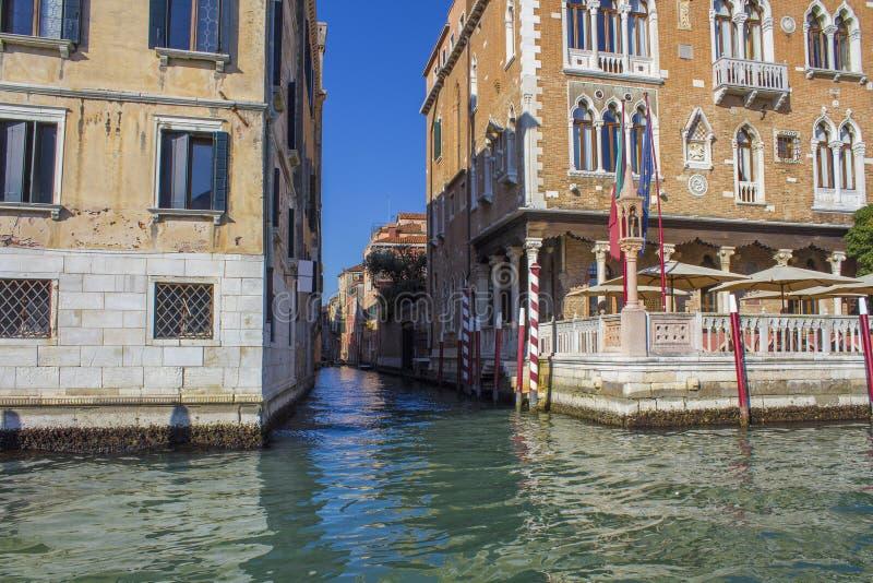 Венеция весной Взгляд каналов и обваловок Старая архитектура стоковое изображение rf