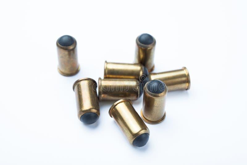 Nya sorter av ammunitionar Rakt till de egna vapnen Sale av vapen och ammunitionar arkivbilder
