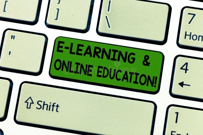 E Ripresa esterna di significato di concetto che studia chiave di tastiera digitale online di lezioni fotografia stock