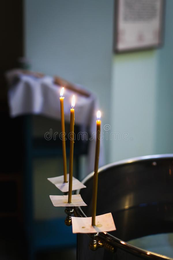 E   Sacramento del bautismo ( fotos de archivo