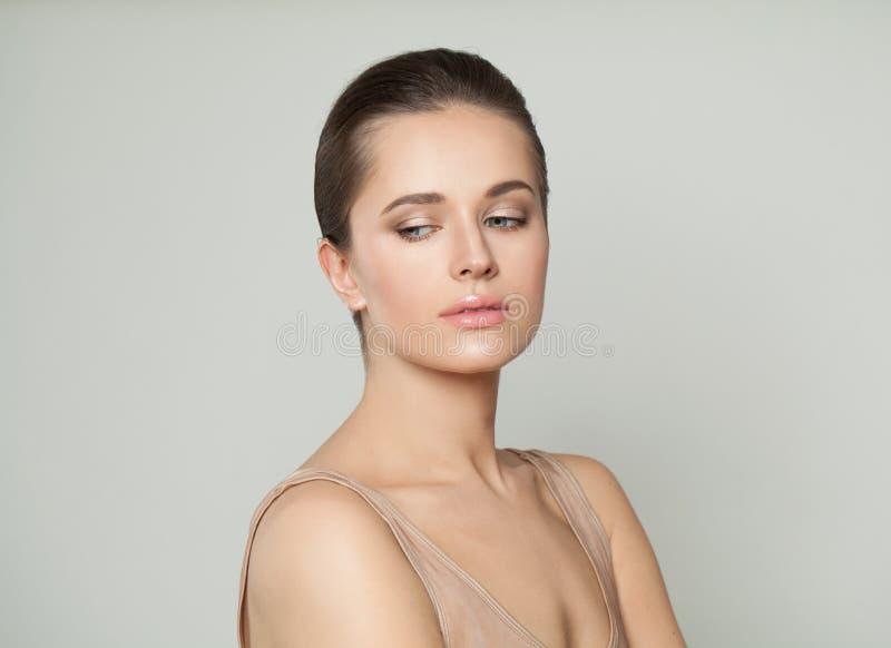E Skincare e concetto facciale di trattamento immagine stock