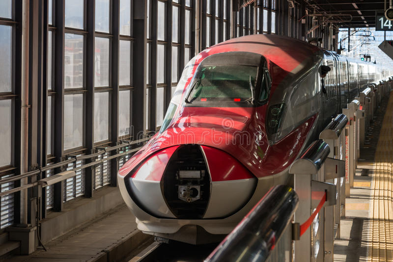 E6 sluitende de neusdekking van de Reeksultrasnelle trein royalty-vrije stock afbeelding
