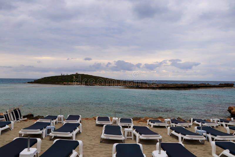 E Strand an der D?mmerung r sommerzeit r lizenzfreie stockfotografie