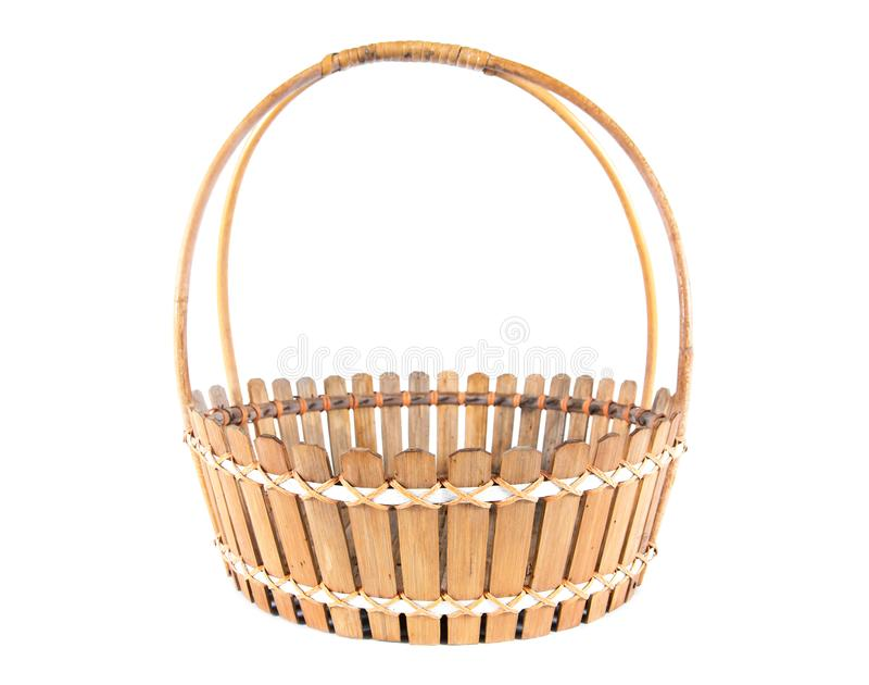 E Tessuto dal vassoio di bamb? Cestino di bamb? isolato fotografia stock