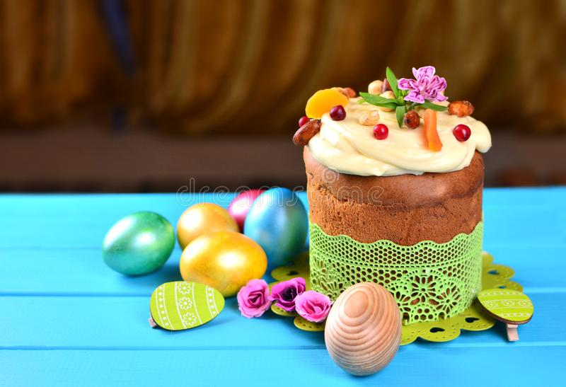 E Torta di Pasqua immagine stock libera da diritti
