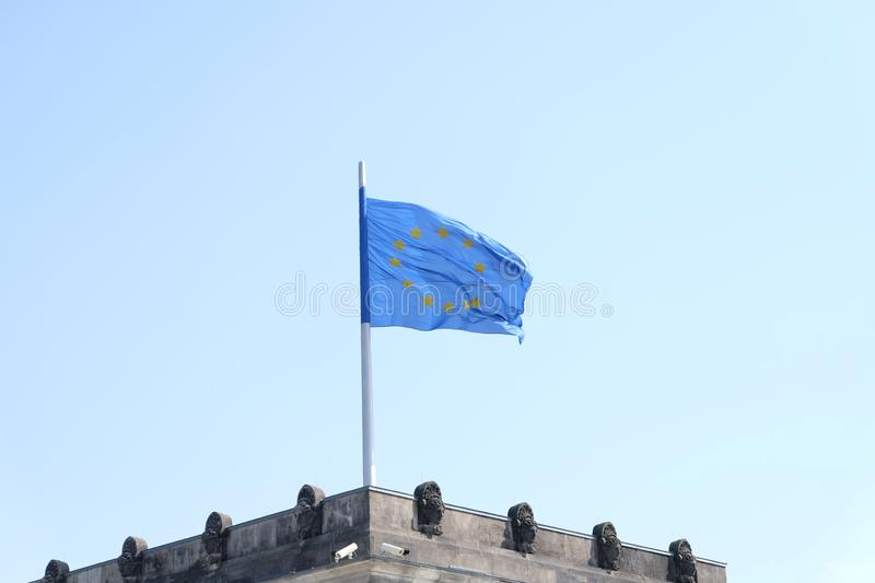 E U Drapeau sur le Bundestag photo stock