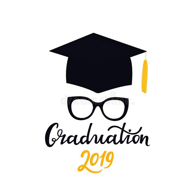 E Universitetlock Bokstäver för hand för avläggande av examen 2019 utdragen med glasögon och den doktorand- hatten stock illustrationer