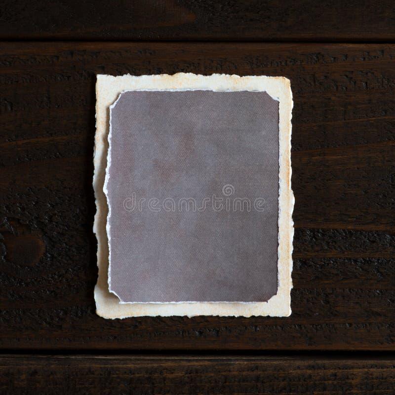 E Verticaal met schaduw aan lange kant stock fotografie