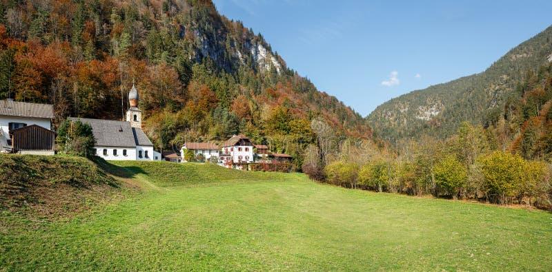 E Vista de las montan@as Baviera superior, Alemania foto de archivo libre de regalías