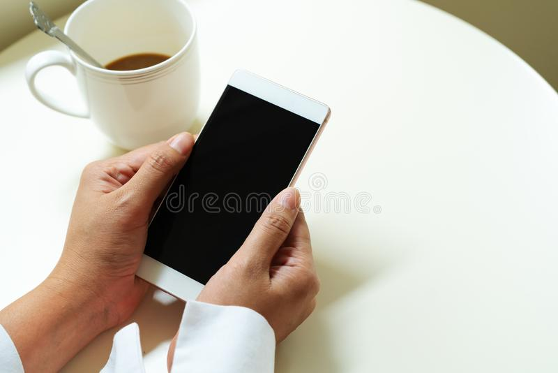 E zaken en modern sociaal levensstijlconcept stock afbeelding
