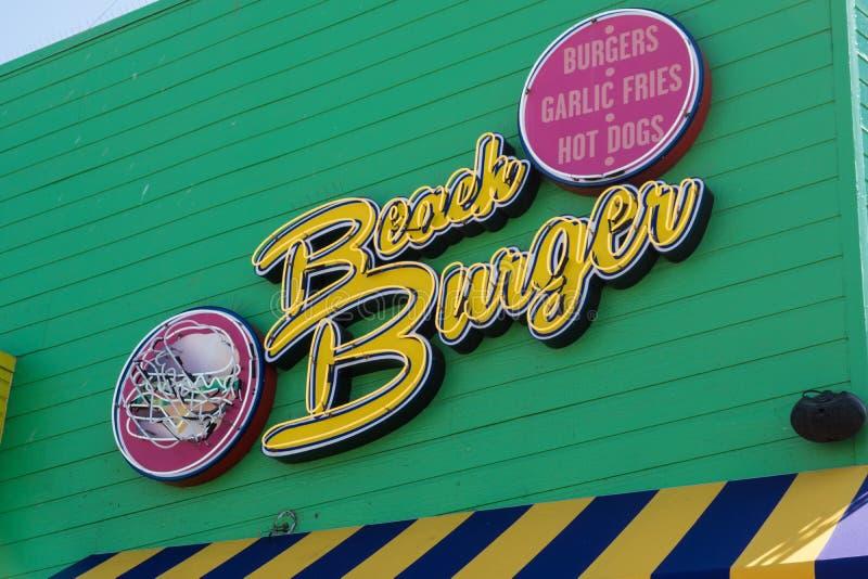 Each hamburger restauracja jest popularnym fastem food łomota założenia na sławnym Snata Monica molu zdjęcia royalty free