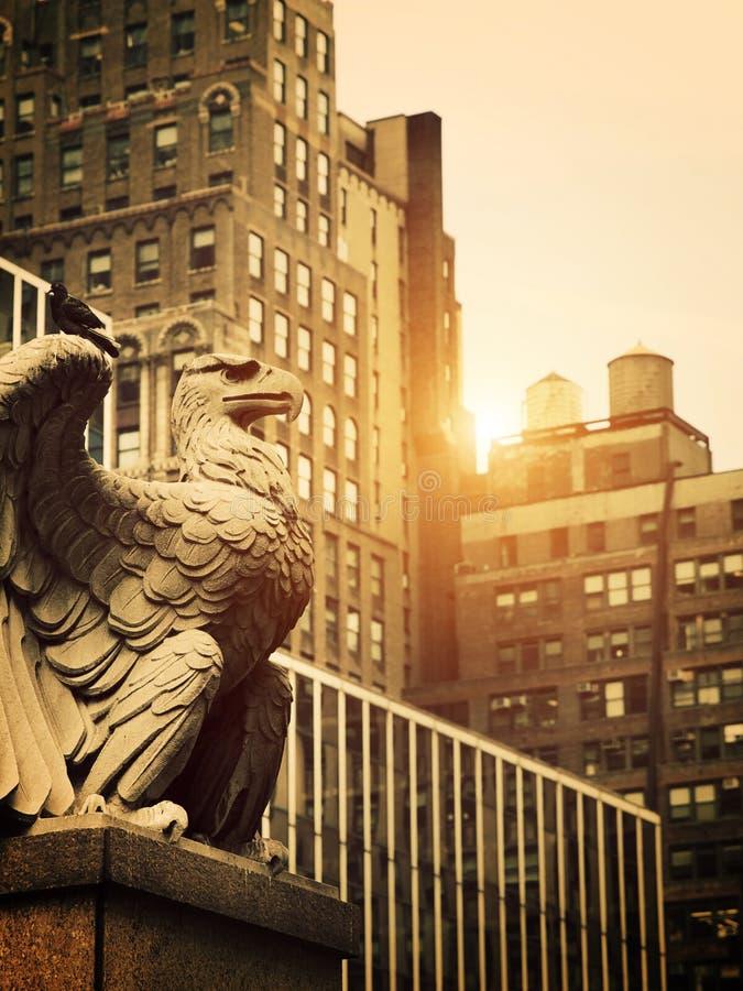 Eagle en pierre à Manhattan photo stock