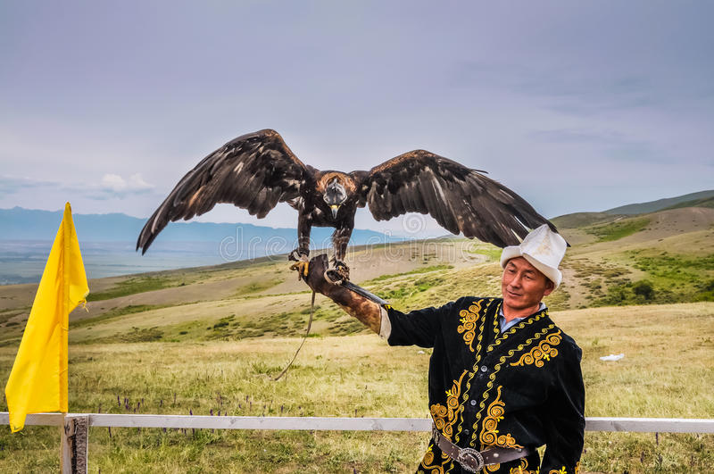 Eagle-mens in Kyrgyzstan royalty-vrije stock afbeeldingen