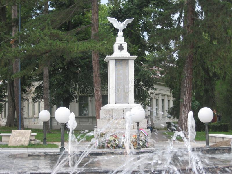 Eagle monument, Fontain, Spa stad, Sokobanja, Serbien royaltyfria foton