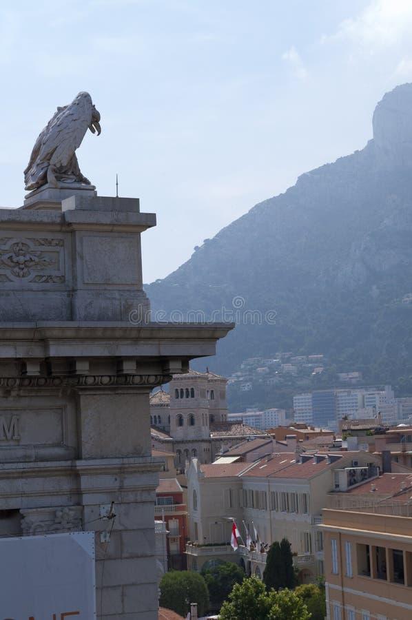 Eagle sobre o aquário de Mônaco foto de stock royalty free