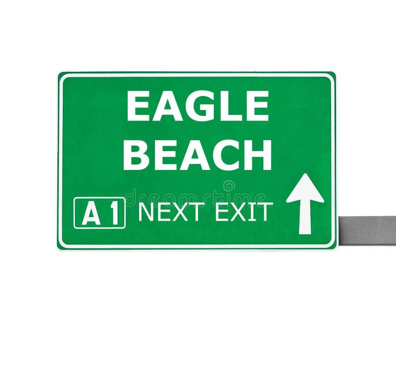 EAGLE-STRAND-Verkehrsschild lokalisiert auf Weiß stockfotos