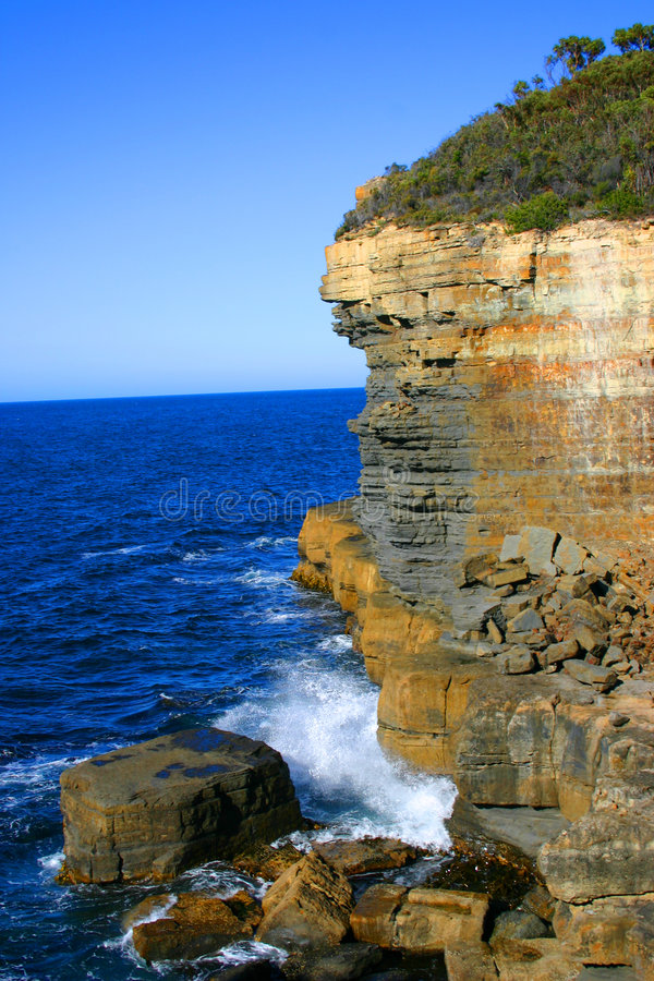 Download Eaglehawk Neck Cliff Royalty Free Stock Images - Image: 1714559