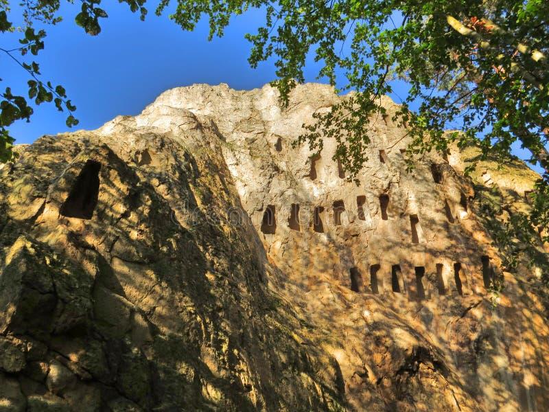 Eagles-klippen, Thracian-heiligdom, Rhodope-Bergen, Bulgarije royalty-vrije stock foto's